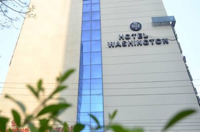 Hotel Washington Front
